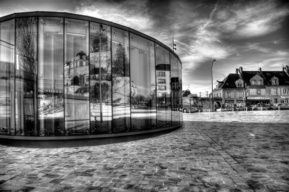 pontoise-office-tourisme.jpg